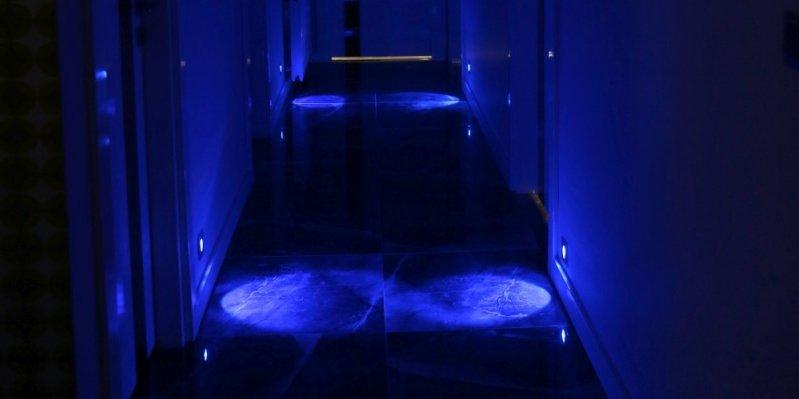 Koridor gece aydınlatması
